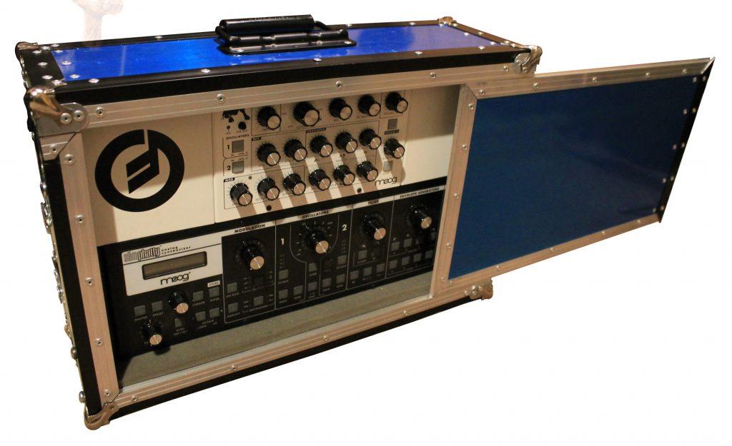 Mini Moog Case personalizado de Esqueleto interno tipo rack para fijado permanente de los sintetizadores